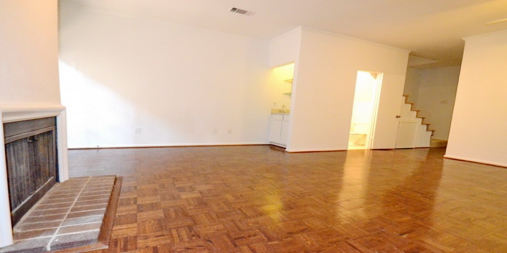 2 Bedrooms, Condominium, For Rent, 2727 Shelby Condominiums, 2727 Shelby Ave #M, 1.5 Bathrooms, Listing ID 1011, Dallas, Texas, United States, 75219,