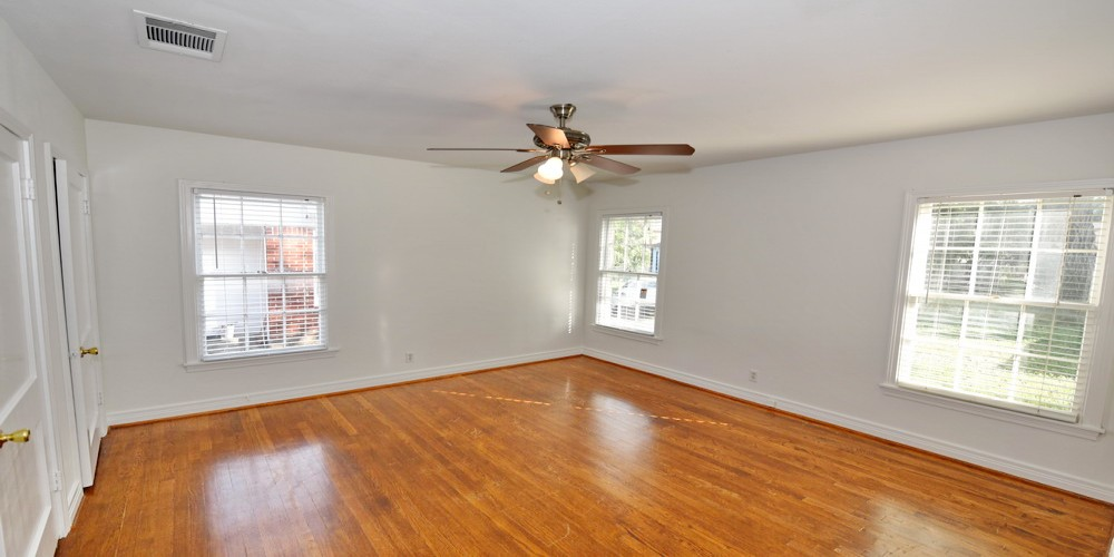 1 Bedrooms, ½ Duplex, For Rent, Winton St, 1 Bathrooms, Listing ID 1014, Dallas, Texas, United States, 75214,